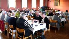 Venner og medarbejdere samlet i Gram menighedshus. Knud W. Skov talte og efter kaffen var der generalforsamling og billeder fra årets begivenheder i Rumænien.